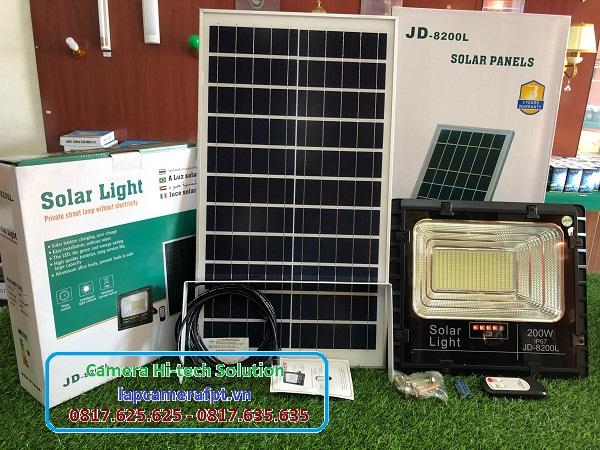 Đèn Pha năng lượng mặt trời JD-8200L